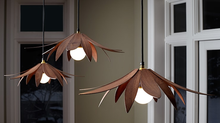 Lotus Pendant Light:  Living room by MacMaster Design