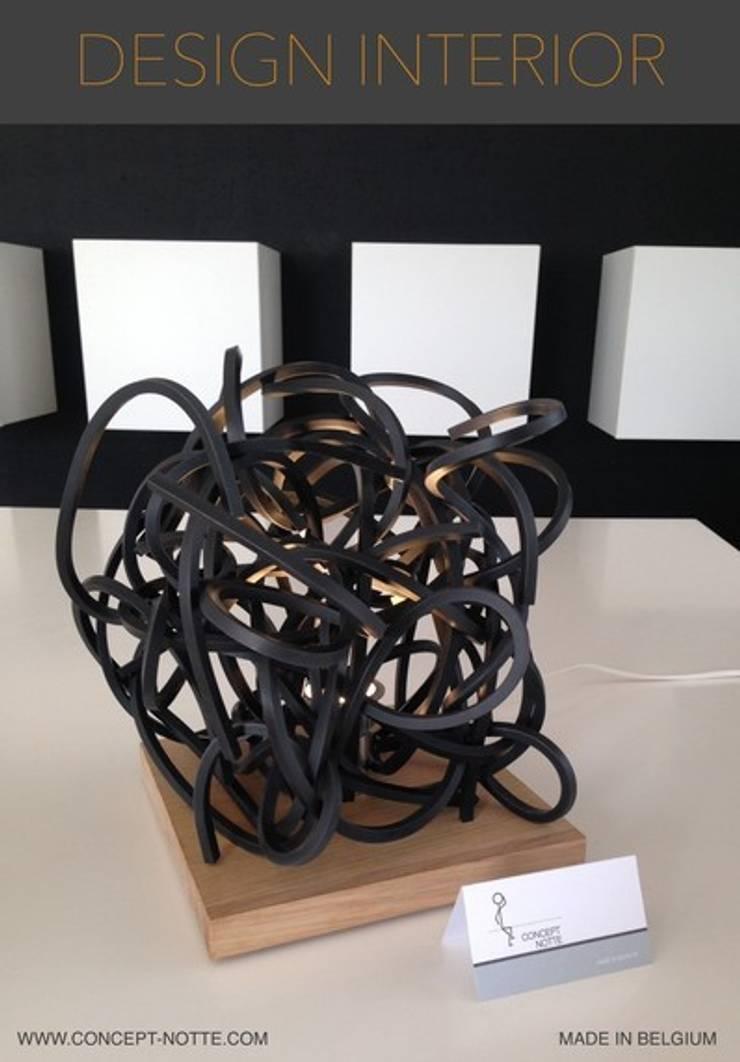 Lampe Tension: Art de style  par Concept-notte