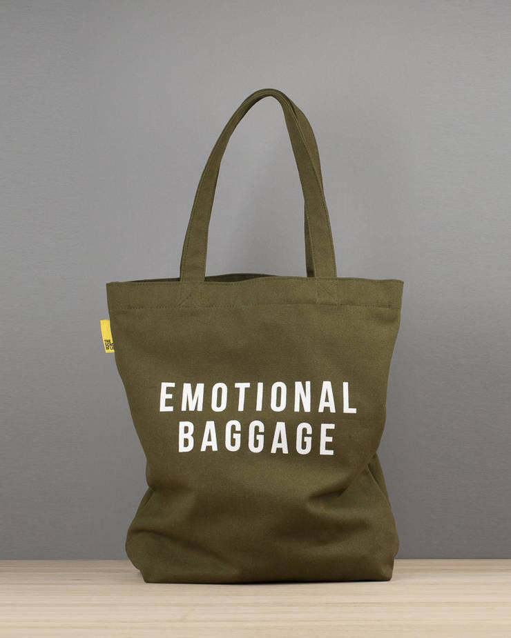 Emotional baggage canvas tote de An Artful Life Ecléctico