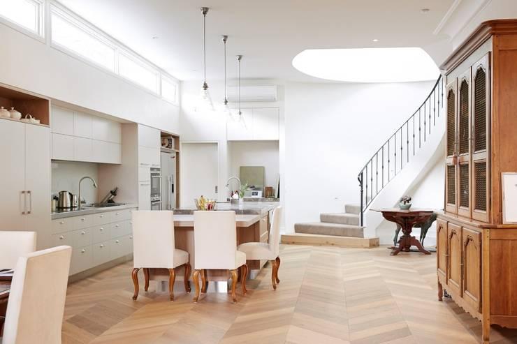 Holz + Floor GmbH | Thomas Maile:  tarz Duvar & Zemin