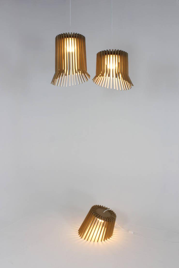 Lampe Créneaux: Maison de style  par Guillaume Buisson