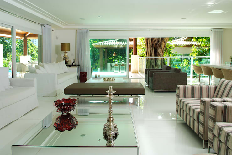 Casas estilo moderno: ideas, arquitectura e imágenes de Caramelo Arquitetos Associados Moderno
