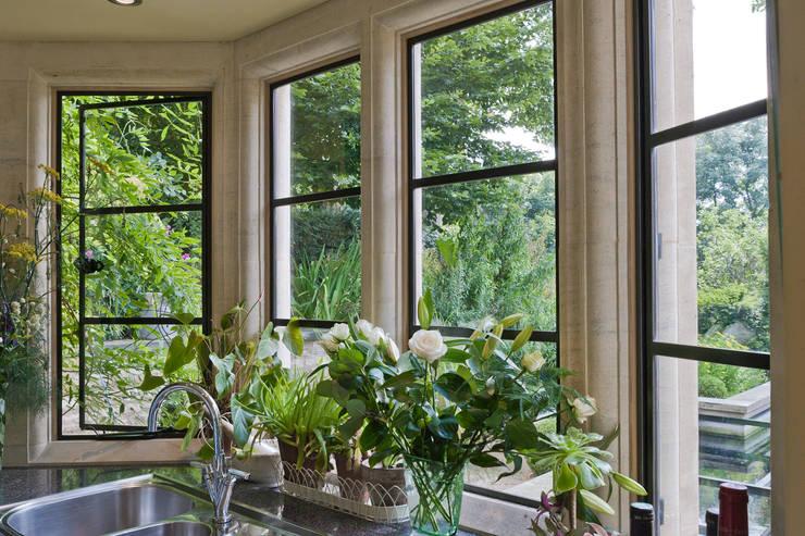 Fenêtres & Portes de style  par Architectural Bronze Ltd