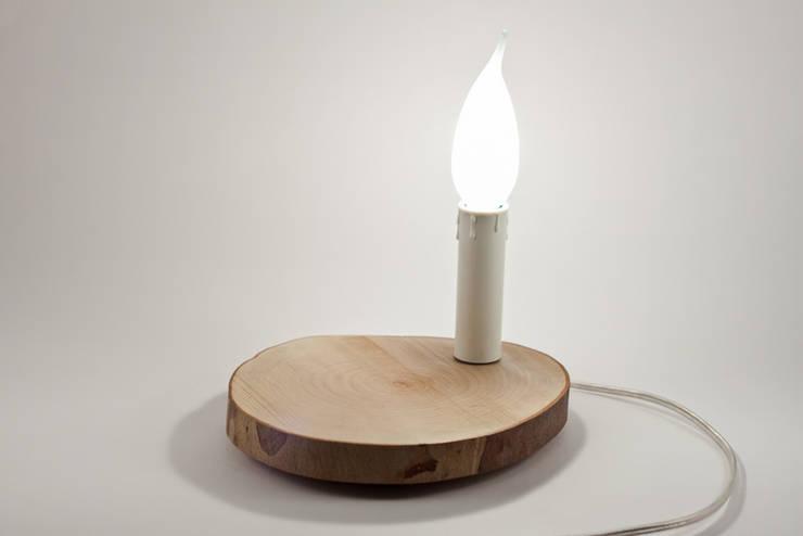 Tronchetto (colazione a lume di candela): Casa in stile  di Altrosguardo