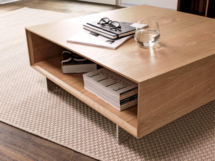 Salas de estilo moderno por Fraubrunnen AG