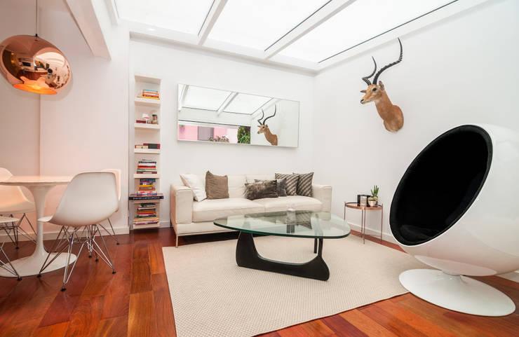 MADRID APARTMENT 4:  de estilo  de Cuarto Interior