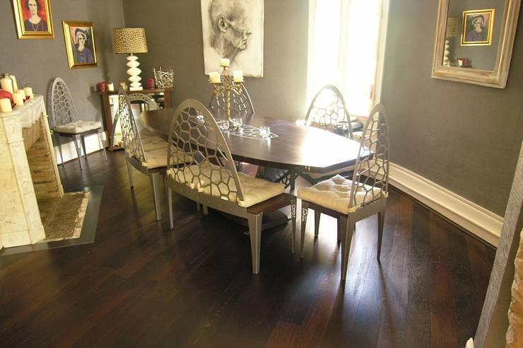 table <q>macassar</q>: Salle à manger de style  par Philippe lachaise
