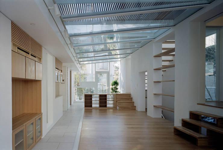 sunroom: 浅井アーキテクツ一級建築士事務所が手掛けたです。
