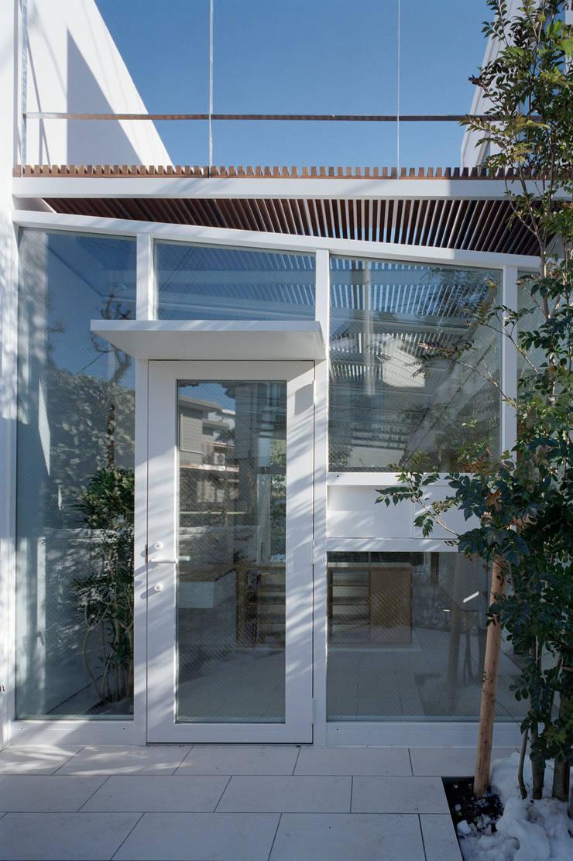 Entrance: 浅井アーキテクツ一級建築士事務所が手掛けたです。