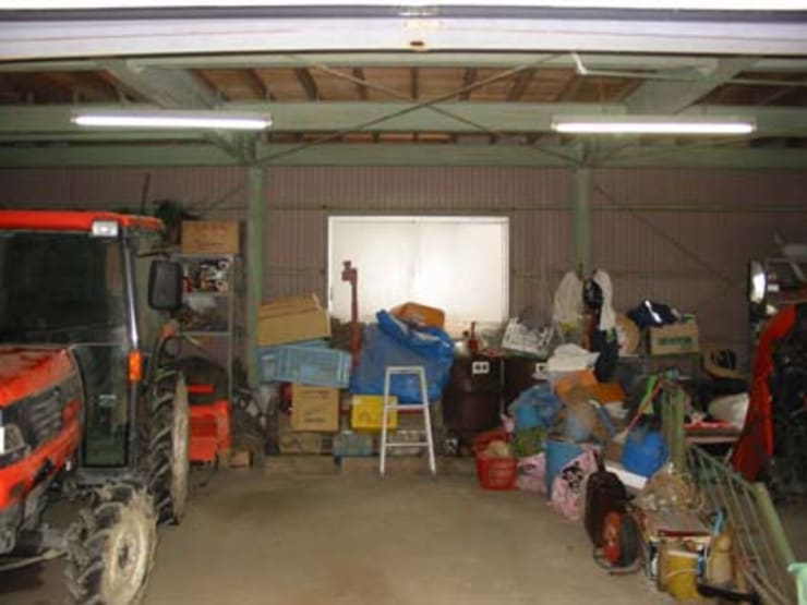 Garage/shed by イデア建築デザイン事務所, Eclectic