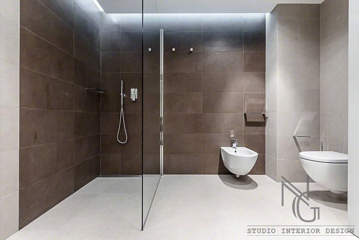 NG-STUDIO di San Remo : Bagno in stile  di ArchitPhoto, Moderno