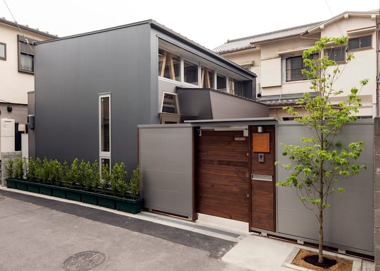 Houses by H.Maekawa Architect & Associates, Eclectic