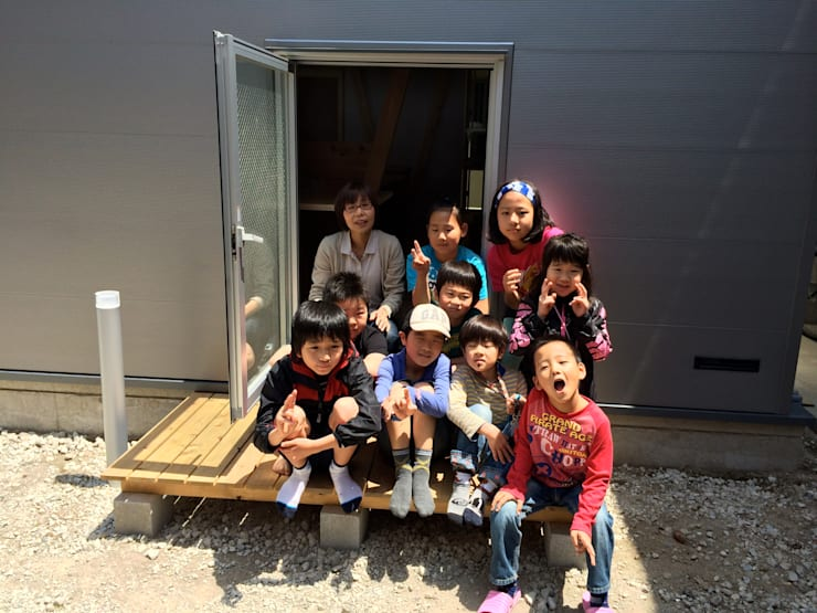 Dormitorios infantiles de estilo  por H.Maekawa Architect & Associates, Ecléctico