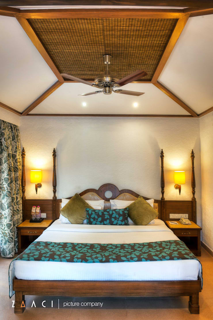 Room 1:  Hotels by Zaaci Picture Company