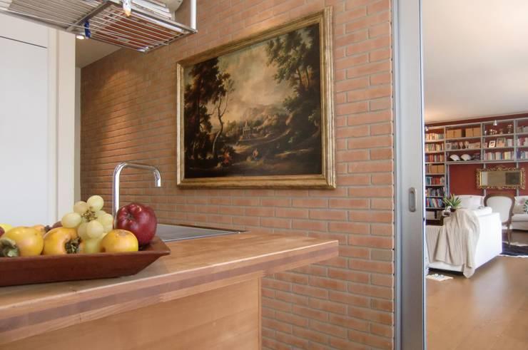 Milano come New York: Cucina in stile  di Architetto De Grandi, Moderno