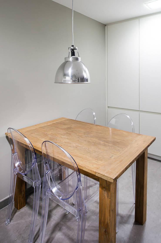 Minimalismo en la cocina:  de estilo  de Isa de Luca