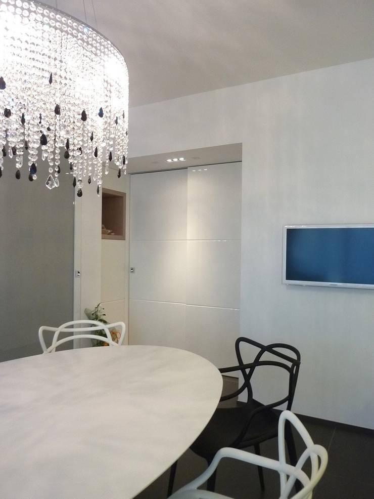 Casa Benvenuti: Case in stile  di Stefano Zaghini Architetto