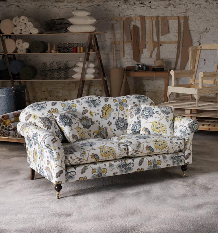 Wesley-Barrell Hinton sofa:  Living room by Wesley-Barrell