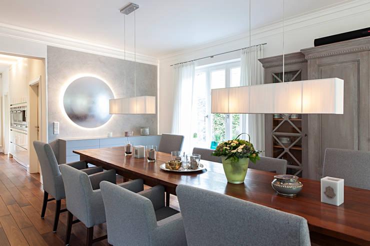 Einfamilienhaus :  Esszimmer von schulz.rooms