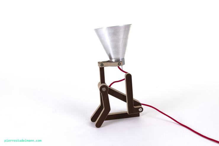 Lampes WAaf: Salon de style  par Pierre Stadelmann