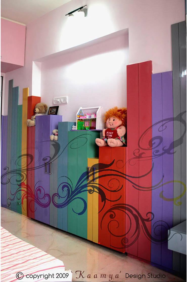 """Daughter""""s Bedroom:   by kaamya design studio"""