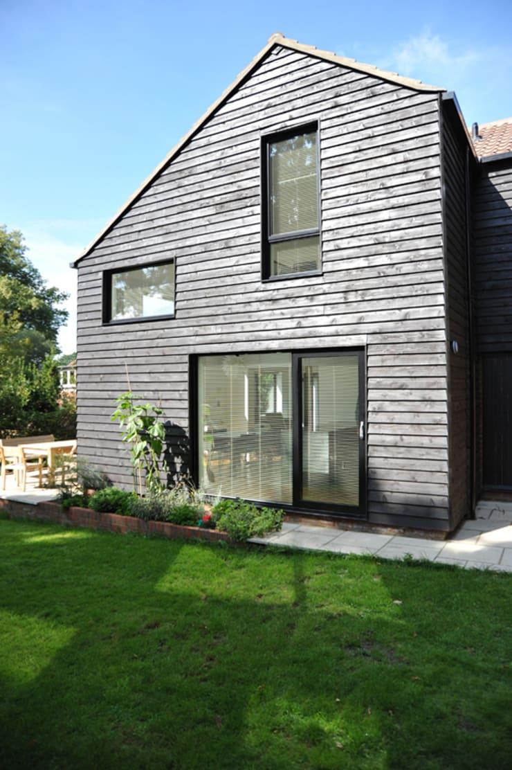 The East Facing Elevation of a 2-Storey Extension:  Houses by ArchitectureLIVE