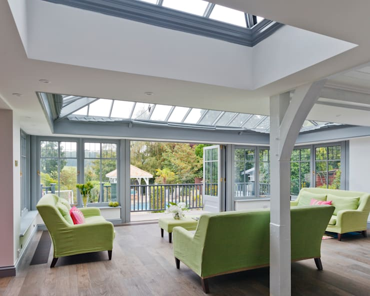Living Room Conservatory with Veranda:  Conservatory by Vale Garden Houses