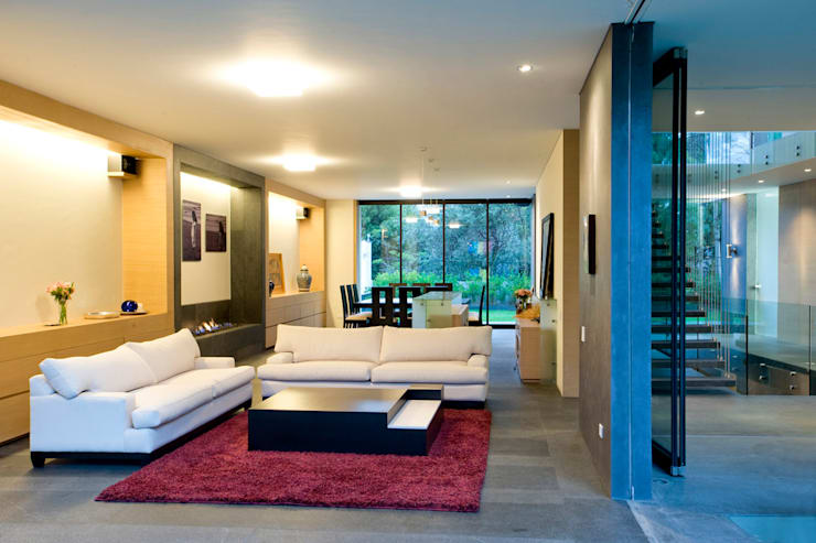 Living room by Serrano Monjaraz Arquitectos