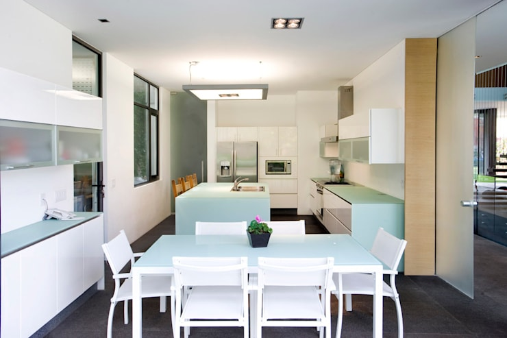 Casa V: Cocinas de estilo  por Serrano Monjaraz Arquitectos