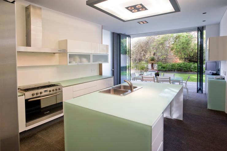 Cocinas de estilo  por Serrano Monjaraz Arquitectos