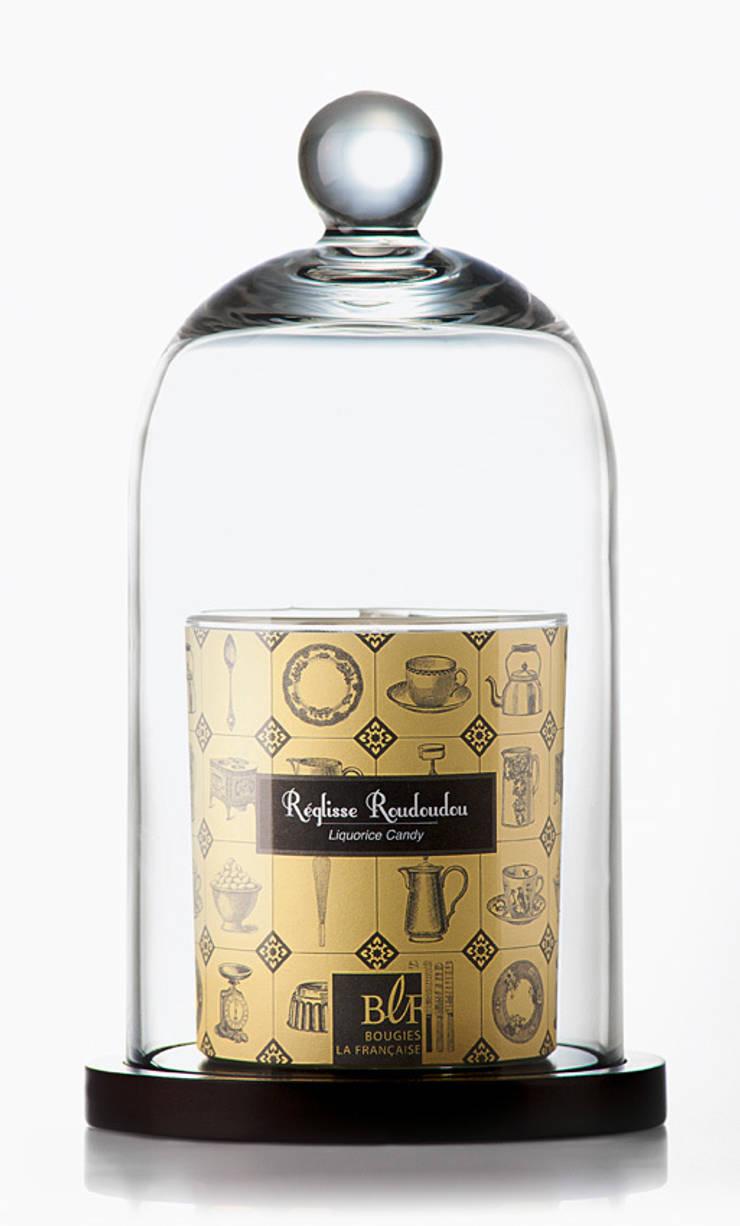Bougie parfumée gourmande réglisse roudoudou: Salon de style  par Bougies la Française