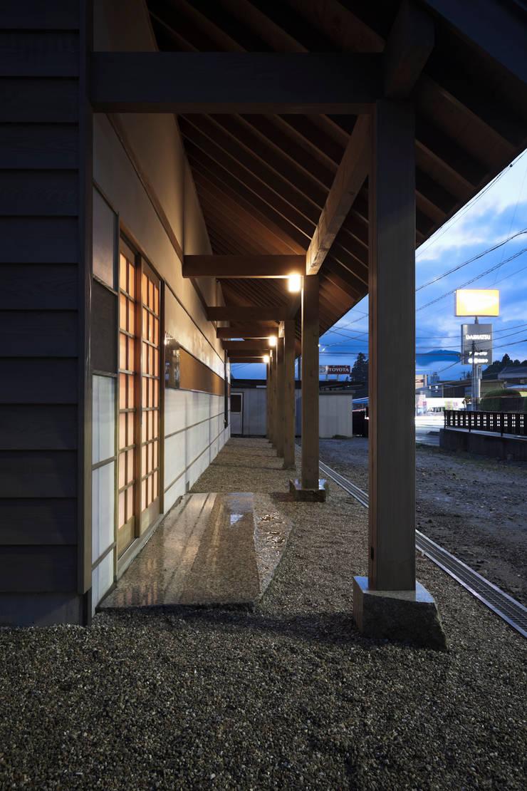 D-house entrace: Ground Design Co,. Ltd.が手掛けた家です。