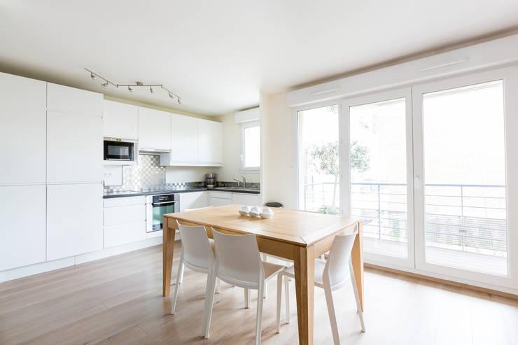 Cozinhas minimalistas por Agence Manuel MARTINEZ