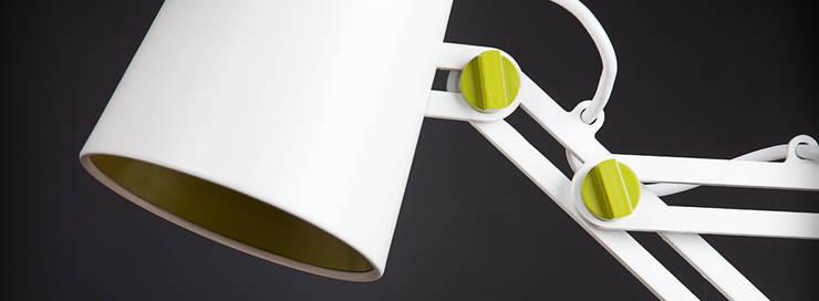 Lámpara LOOKER: Estudio de estilo  de Santiago Sevillano Industrial Design