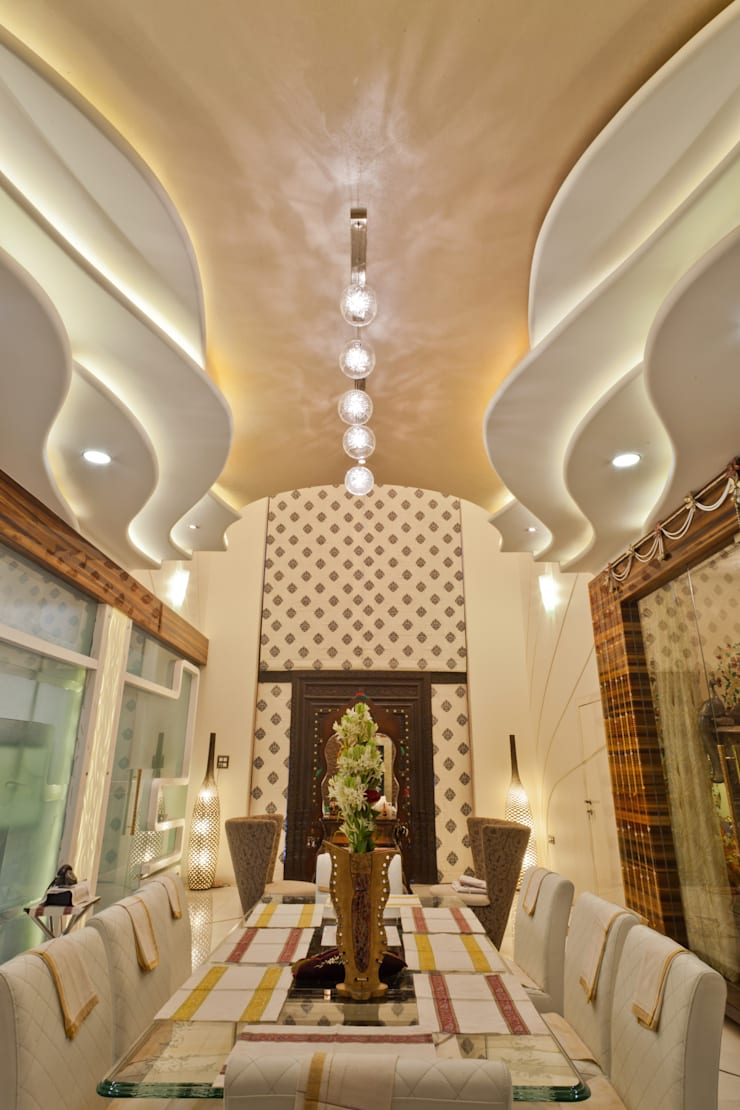 DINING AREA:  Household by NEX LVL DESIGNS PVT. LTD.