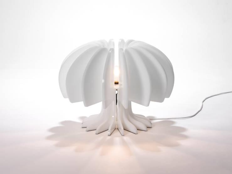 Light in the modern life /: 후스 디자인의  거실