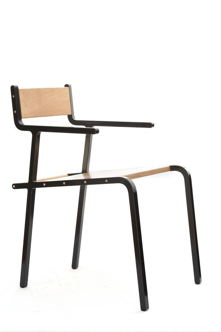 Leggio armchair:  in stile  di Punto Soave, Minimalista