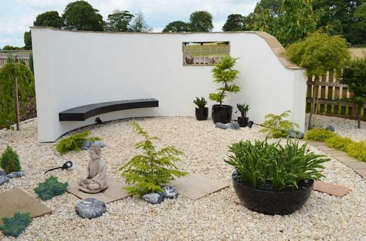 Japanese Style Garden:  Garden by Unique Landscapes