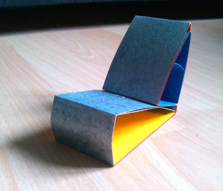 Chaise modulable: Maison de style  par Thibault Taverniez