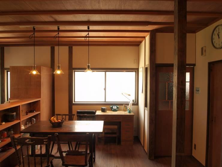 昼のダイニングキッチン1: SKY Lab 関谷建築研究所が手掛けたクラシックです。,クラシック