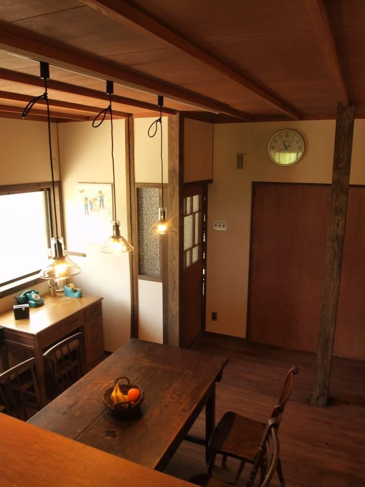 昼のダイニングキッチン3: SKY Lab 関谷建築研究所が手掛けたクラシックです。,クラシック