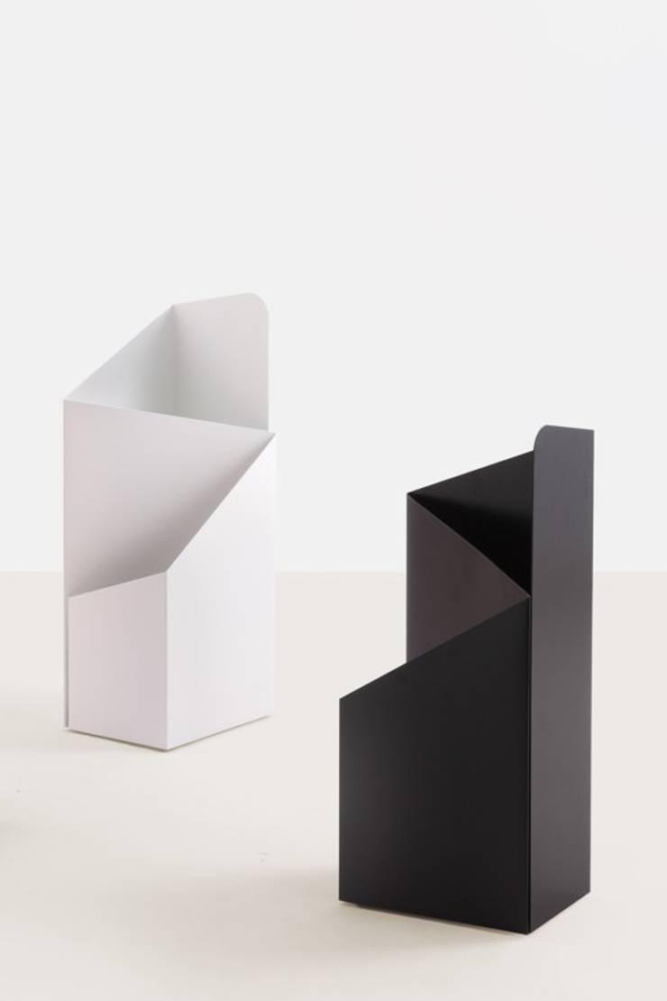 Schirmständer: modern  von MOX AG,Modern
