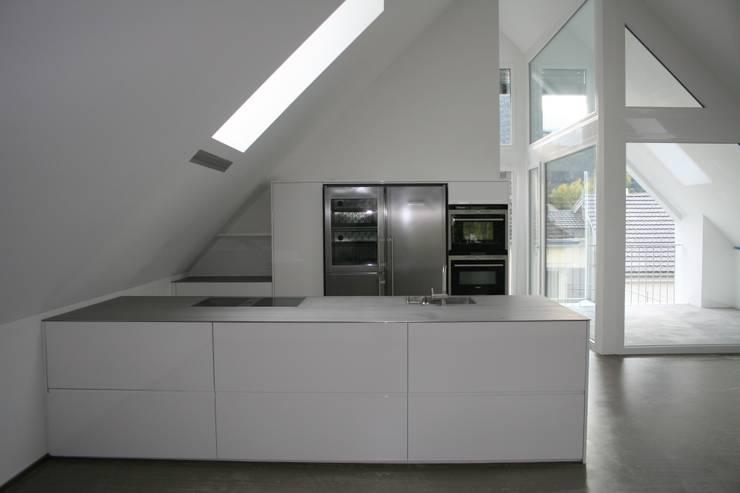 EFH Rosamilia Chur:  Küche von hogg architektur