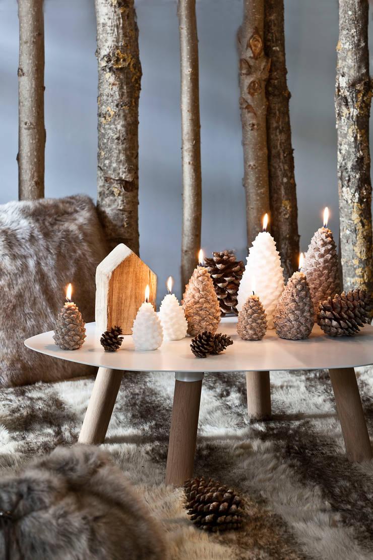 Bougie déco de Noël Pomme de pin petit modèle: Maison de style  par Bougies la Française