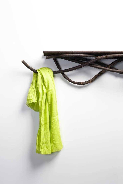 Sur la branche, perché: Salon de style  par L'AIR DE RIEN