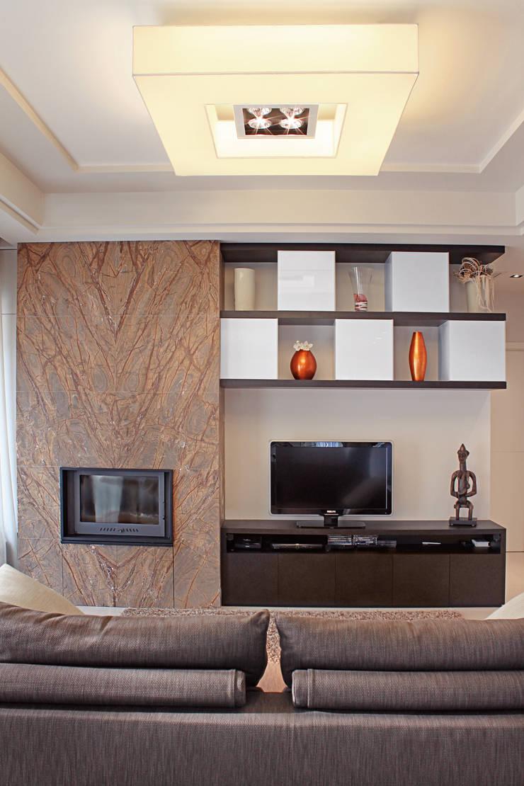 Residenza privata: Case in stile  di Studio Materia, Moderno