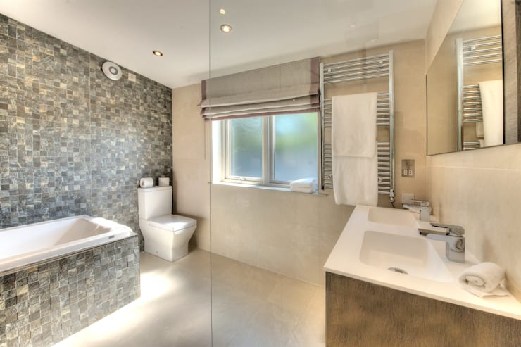 Cedarcarte Garden living: modern Bathroom by Applecrate