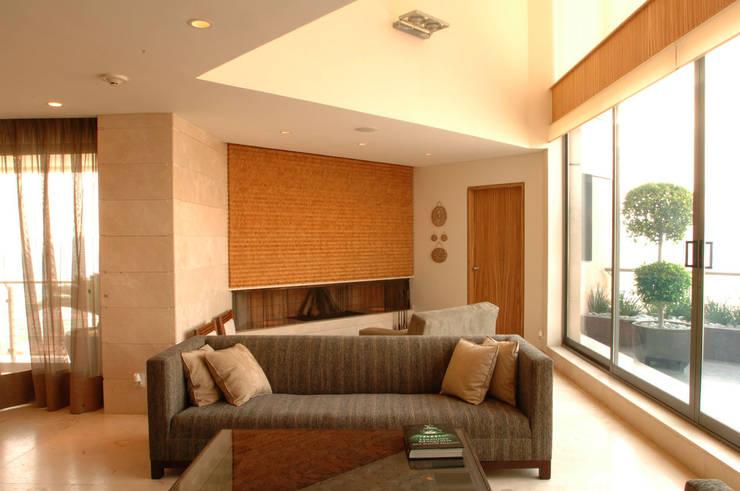 Livings de estilo  por ARCO Arquitectura Contemporánea
