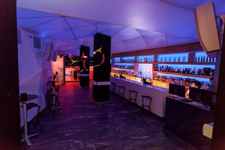 Bar EnBoga:  de estilo  de Conca y Marzal