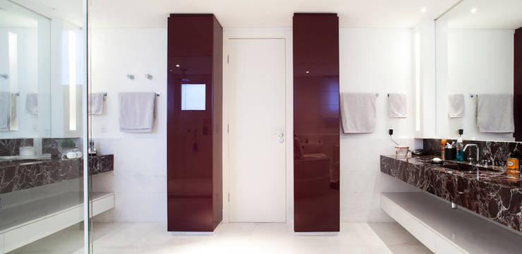 Salle de bain originale par ArkDek Éclectique